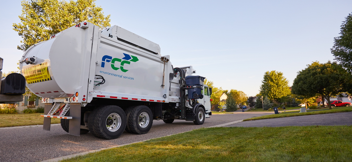 FCC Automated Side Load Truck